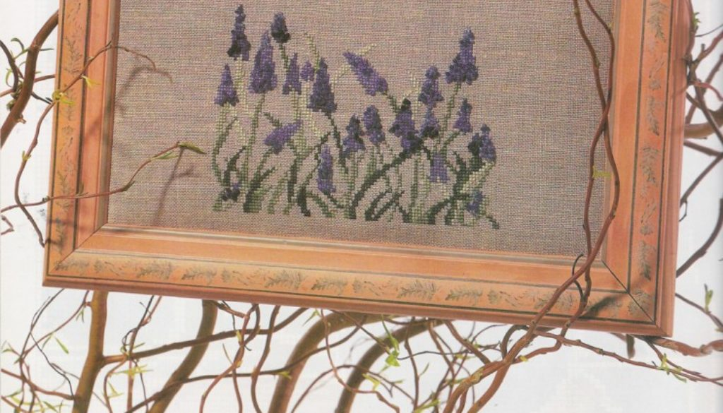 muscari,-Ouvrages-Broderie-n°-69
